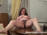 Chubby Mommy Nina Is An Amateur Curvy MILF With Big Natural Tits Stripping