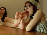 Hania's Huge Feet Get Licked