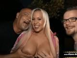 Ihr Cuckold Idiot Filmt Wie Ich Sie Auf Der Party Vor Allen Gästen Ficke